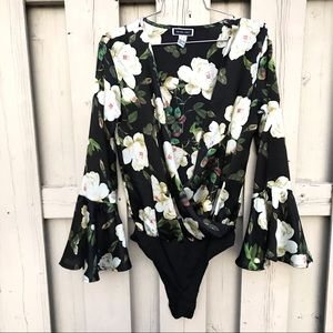 FLORAL BODYSUIT WITH TRUMPET SLEEVE